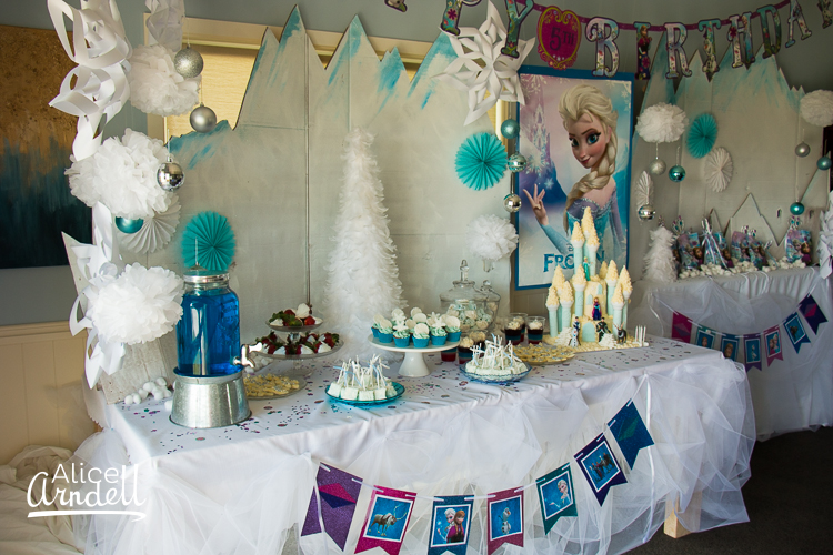Frozen inspired 5th birthday party for 5th birthday decoration ideas