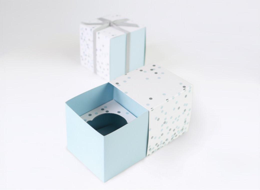 Paper Eskimo Cupcake Boxes - Blue Confetti