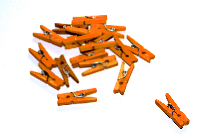 Mini Pegs - Orange 24pk