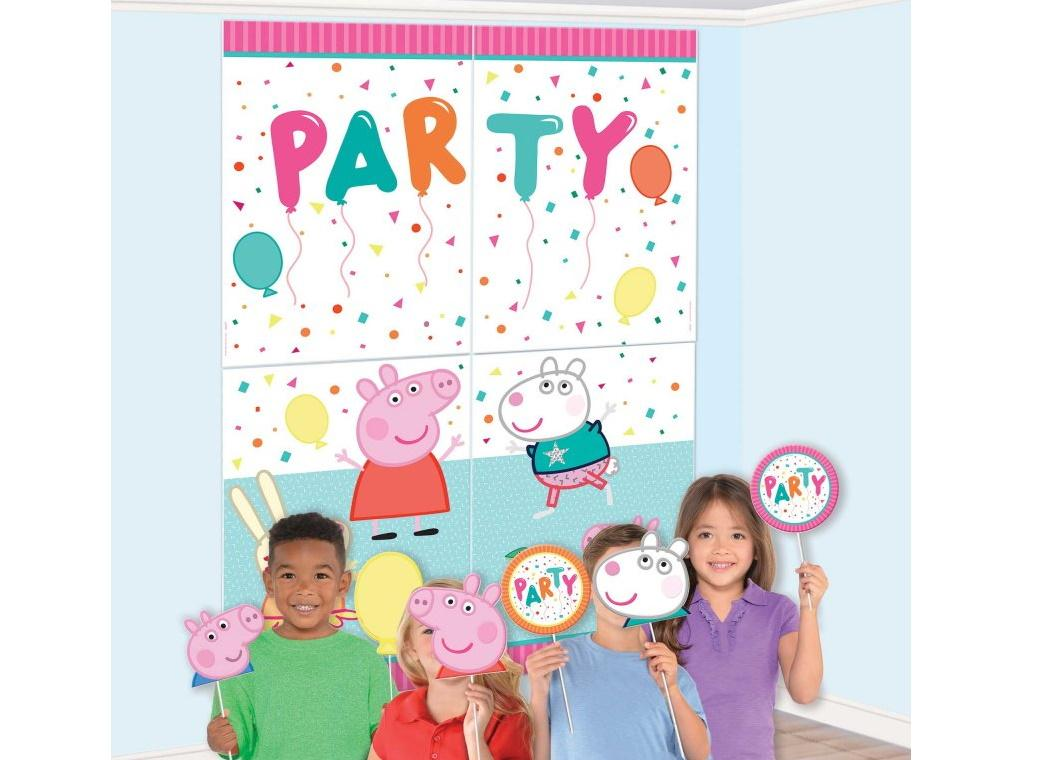 Peppa Pig Scene Setter with Photo Props